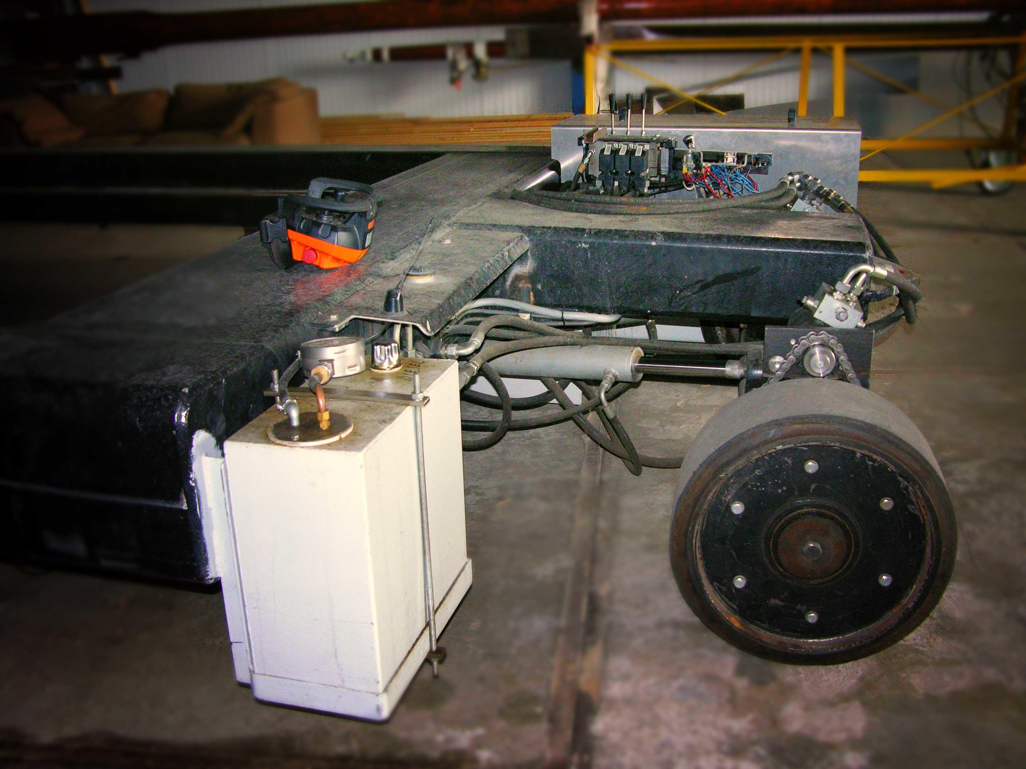 Aandrijf- en stuurmechaniek zelfsturende trailer