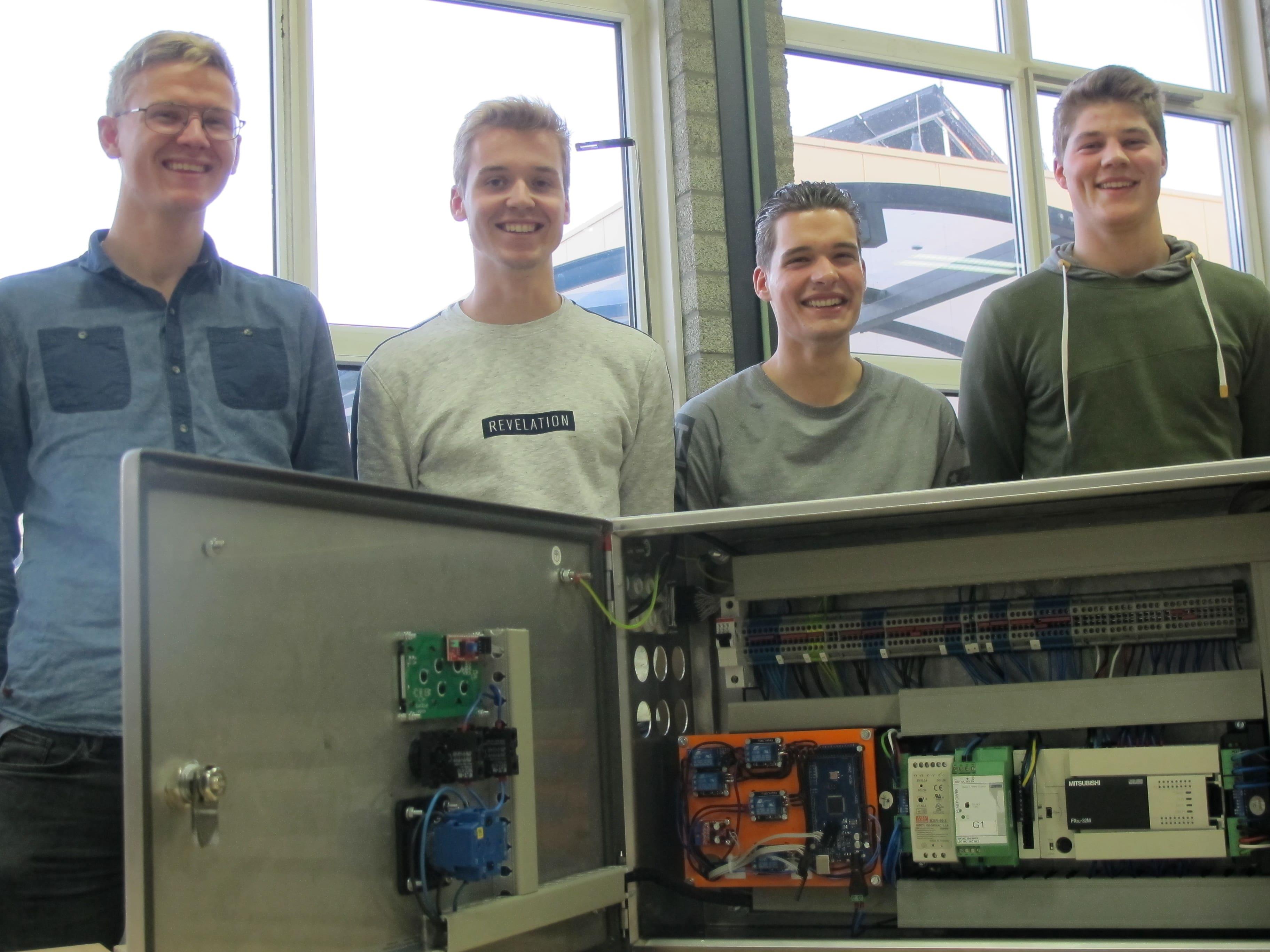 Boatlock: Matthijs, Gijs, Roel en Beau