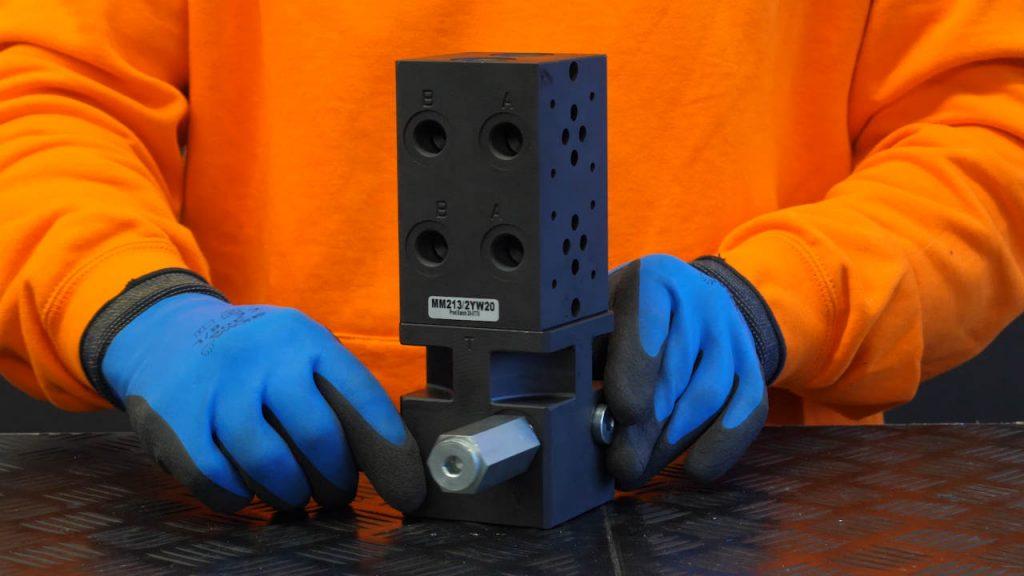 voetplaat met stalen cartridgeblok en veiligheidsventiel